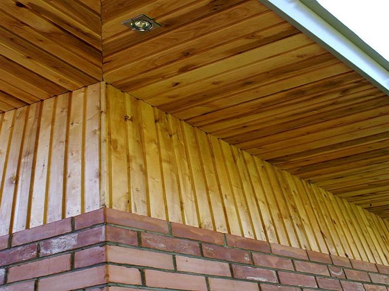 подшивка крыши деревянной вагонкой